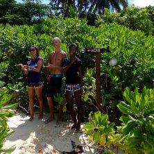 tour con biologi nella vegetazione