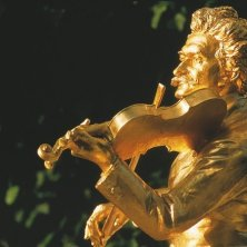 Vienna monumento Strauss