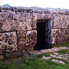 Tomba delle 100 pietre