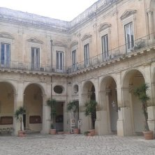 cortile palazzo della Provincia
