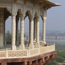balcone panoramico del Forte vista Taj Mahal