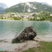 lago e borgo