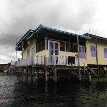 case galleggianti lago Inle