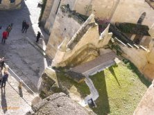 entrata della chiesa monolitica vista dall'alto