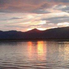 tramonto sul lago Inle