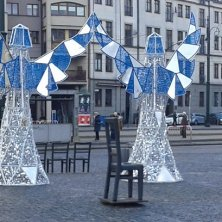 angeli natalizi sulla piazza