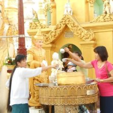 rito alla Shwedagon