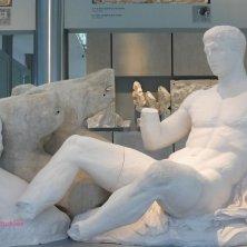 statua al museo Acropoli