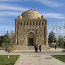 mausoleo nel giardino