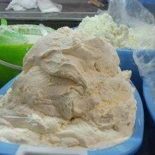 formaggio sfuso al mercato