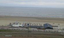 mare e locale sulla spiaggia