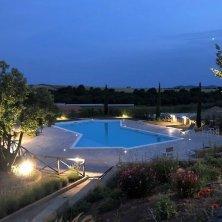 podere-marfisa-esterno-piscina-notte