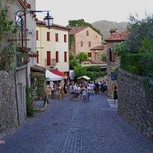 Arquà Petrarca-le vie del borgo si animano durante feste e mercatini-V.Galuppo (3)