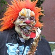 suonatore mascherato Halloween Massachusetts