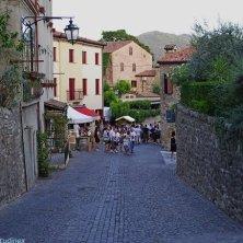 Arquà Petrarca_borgo medievale nei Colli Euganei_V.Galuppo
