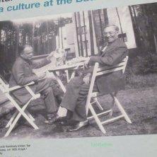 Klee e Kandinskij davanti alle loro case Bauhaus a Dessau