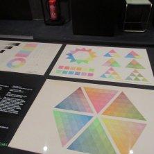 esperimenti con i colori in mostra al Museo Bauhaus Dessau