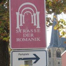 segnaletica strada Romanica