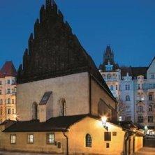 sinagoga in notturna © Libor Sváček