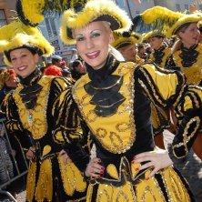 Carnevale di Villach copyright_Region-Villach-Tourismus-GmbH_Adrian-Hipp_Gardemaedchen-am-Villacher-Fasching
