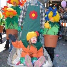 Maschere Carnevale di Villach copyright_Region-Villach-Tourismus-GmbH_Adrian-Hipp_Blumenfamilie-am-Villacher-Fasching