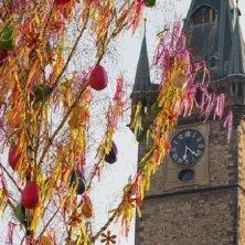 albero di uova per primavera a Praga