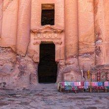 bancarella a Petra