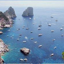 panorama e faraglioni Capri