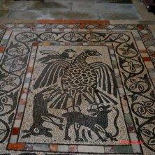 Carrara Santo Stefano_Abbazia_mosaico pavimentale_phVGaluppo