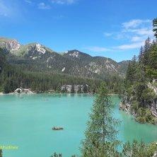 scorcio del lago di Braies dal sentiero