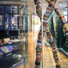 bracciali al museo del vetro e della bigiotteria