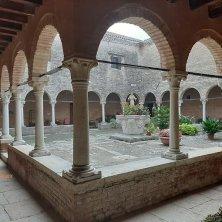 chiostro convento San Francesco laguna di Venezia
