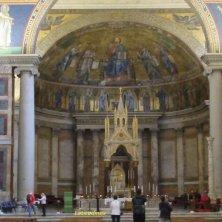 ciborio duecentesco e navata San Paolo