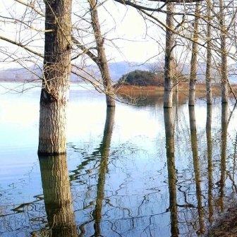 al lago Canterno