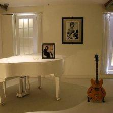pianoforte casa Lennon