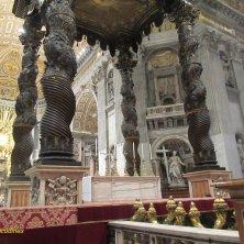 baldacchino sulla tomba di San Pietro