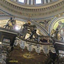 particolare del baldacchino San Pietro