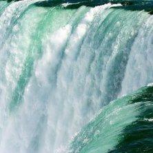 salto e acqua Niagara