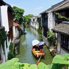 in barca sui canali