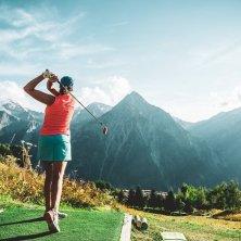 ©les 2 alpes_golf_luka leroy estate a Les 2 Alpes