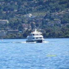 in navigazione sul lago Maggiore