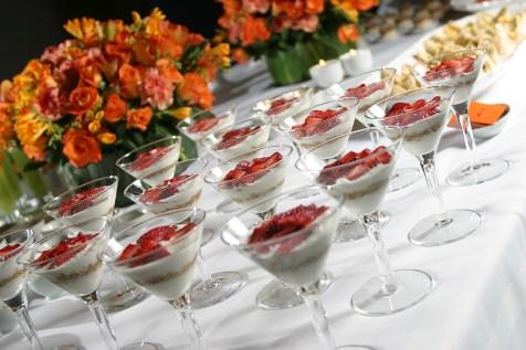 Iogurte com Granola e Morangos
