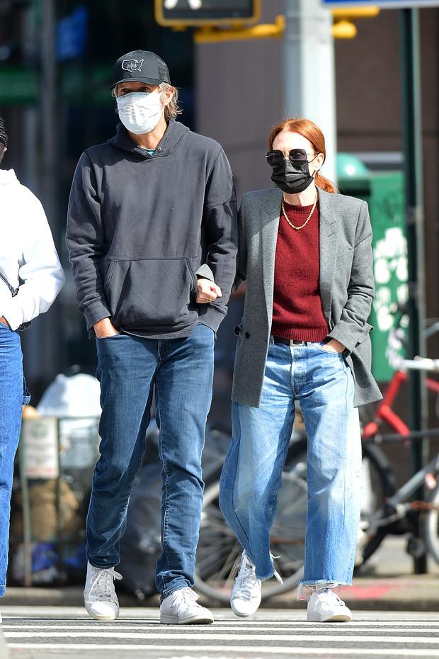 Julianne Moore con Bart Freundlich en New York City.