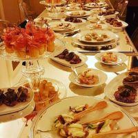 Cavoli a Merenda: quando il cibo diventa un'esperienza sensoriale.