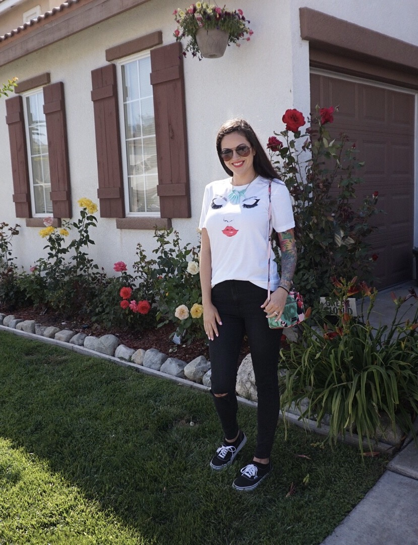 Cute Graphic Tee Outfit