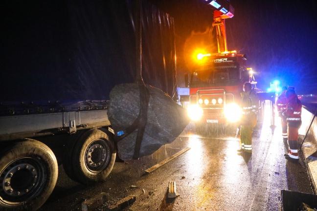 camioneros borrachos moler piedra en West Highway en líneas de serpientes 24 kilómetros   Foto: laumat.at/Matthias Lauber