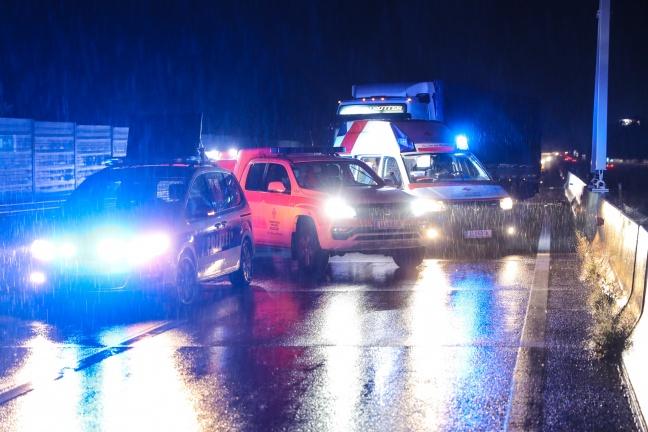 camioneros borrachos moler piedra en West Highway en líneas de serpientes 24 kilómetros | Foto: laumat.at/Matthias Lauber