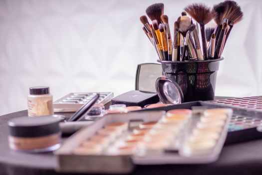make-up q