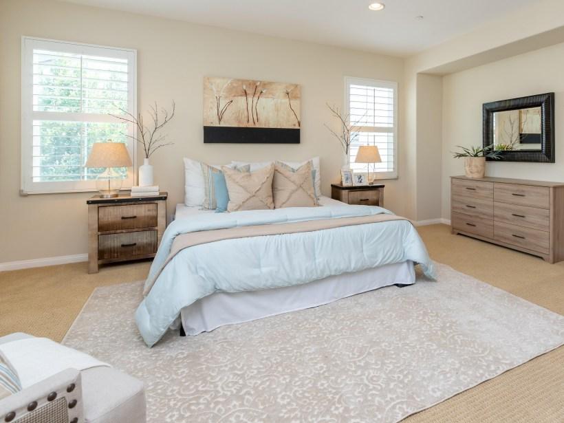 bed-bedroom-home-2631746.jpg