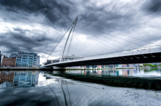 samuel-beckett-bridge-2344398_1920.jpg